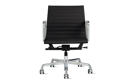 Eames® Aluminum Management Pneumatic, Vicenza Leather, Chrome Legs