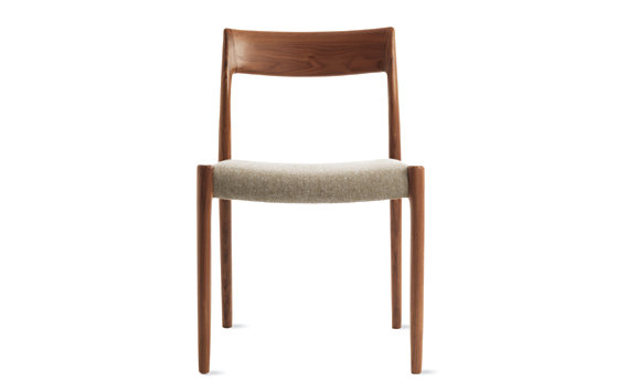 Møller Model 77 Side Chair in Walnut with Hallingdal Seat