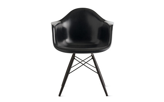 Eames® Molded Fiberglass Dowel-Leg Armchair (DFAW), Black/Maple