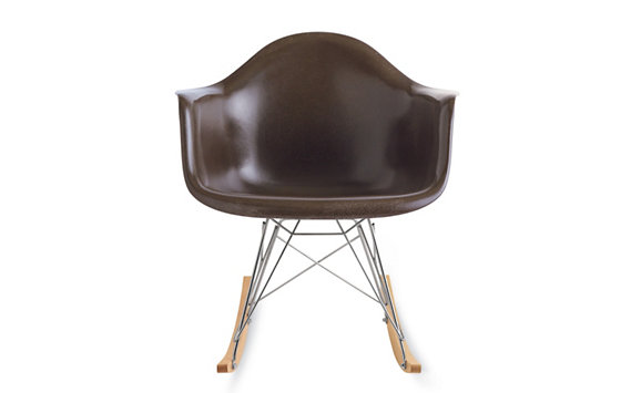 Eames® RFAR, Chrome/Maple Base