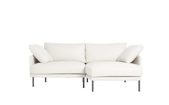 Camber Compact Sectional, Right, Encore Leather, Onyx Legs